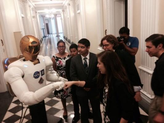 Mr. Martinez Goes to Washington