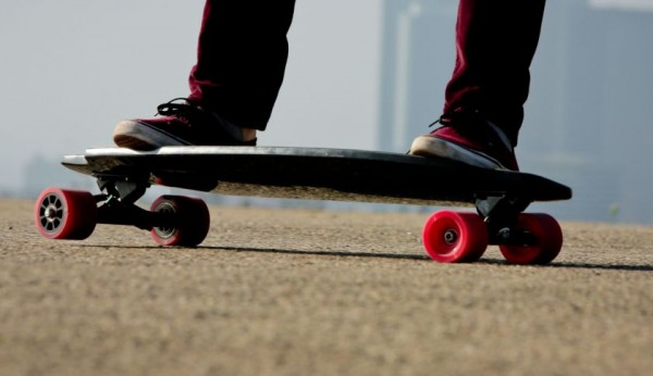 Fortune Reviews Inboard's M1Electric Skateboard