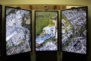 Gesher Group students on tour at Google view of Santa Cruz using Google Earth technology. Credit: Neil Raman)