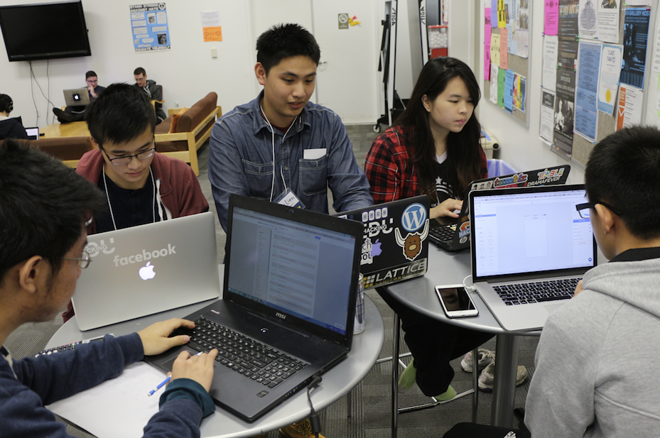 Five UCSC students strategized their plan to develop Loop Watch (clockwise from top right) Chloe Jiang, Max Zhau, Kevin Wu, Alex Au and Andrew Lien. (Credit: Jan Janes Media)