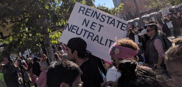 Net neutrality clears California senate on party line vote